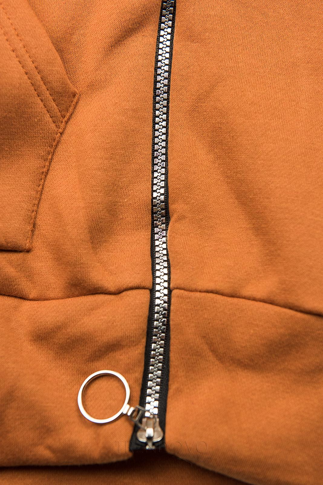 Škoricová mikina so zamatovou kapucňou