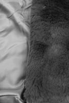 Sivá kožušinová vesta s opaskom